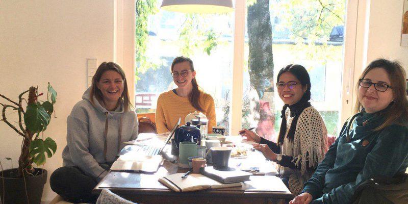 Das bin ich, ganz rechts im Bild - neben Biggie, Dorit & Inneke.